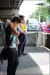 คนไทยมีระเบียบในการข้ามถนนได้ ก็ด้วยพี่รปภ นี่แหละ